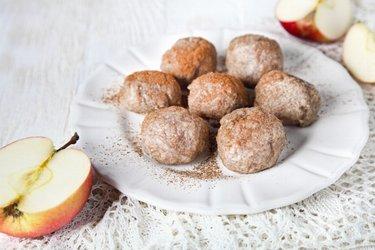 Gogoşele din mere şi grâu integral