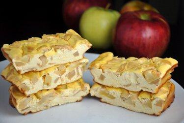 Batoane proteice cu măr tip cheesecake (fără gluten, fără zahăr)