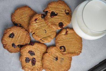 Cele mai bune, sănătoase şi crocante prăjiturele cu năut fără făină (fără gluten)