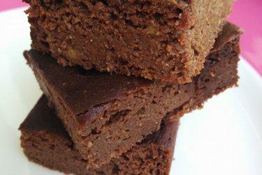 Prăjitură sănătoasă cu avocado și ciocolată