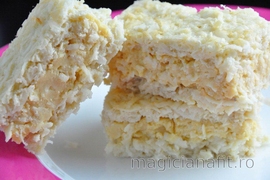 Prăjitură de cocos cu budincă de gălbenuş (fără gluten)