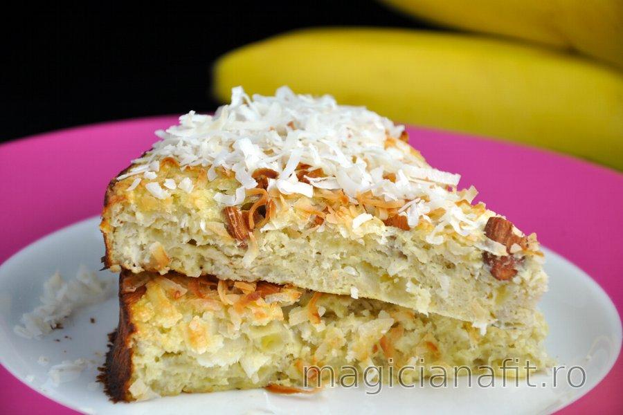 Prăjitură sănătoasă cu cocos şi banane (fără zahăr sau gluten)