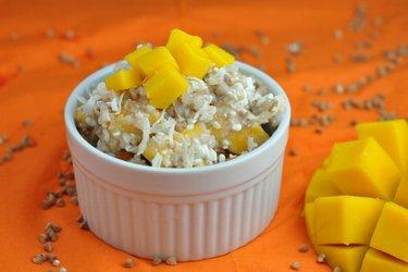 Salată sănătoasă cu mango