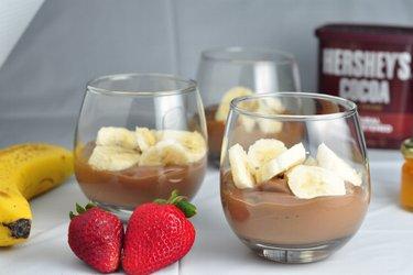Budincă sănătoasă cu ciocolată și banane