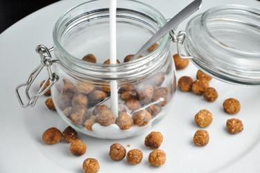 Biluţe sănătoase din cereale (vanilie-cacao)