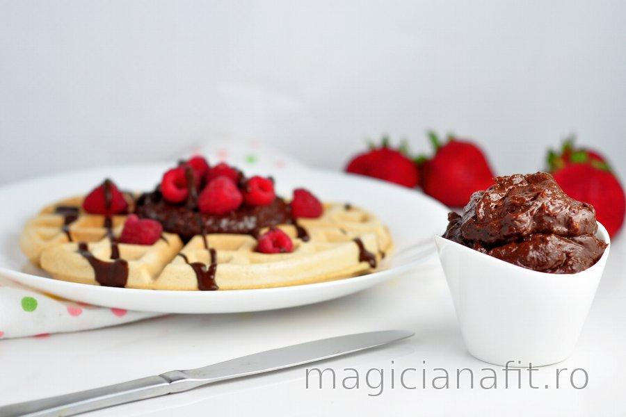 Cremă tartinabilă sănătoasă cu ciocolată - Nutella Fitness