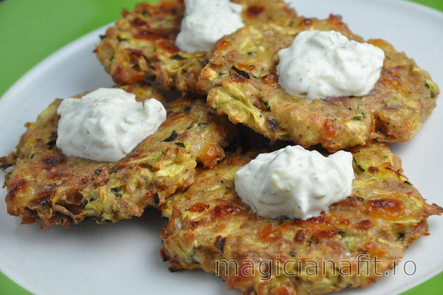 Blinele sănătoase la cuptor cu zucchini şi ton (fără gluten)