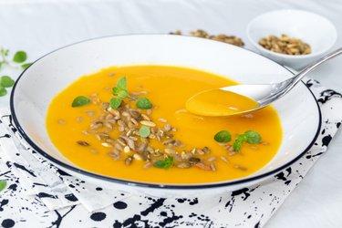 Supă simplă cu dovleac Hokkaido