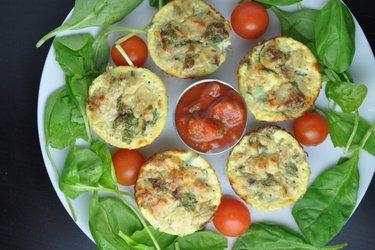 Brioşe sănătoase cu ou și ton